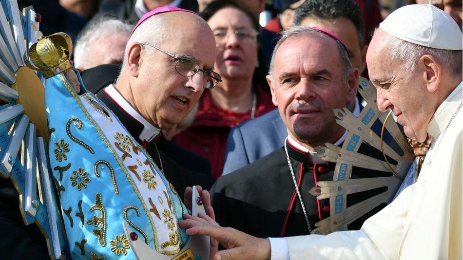 Papa bendice virgen de Luján