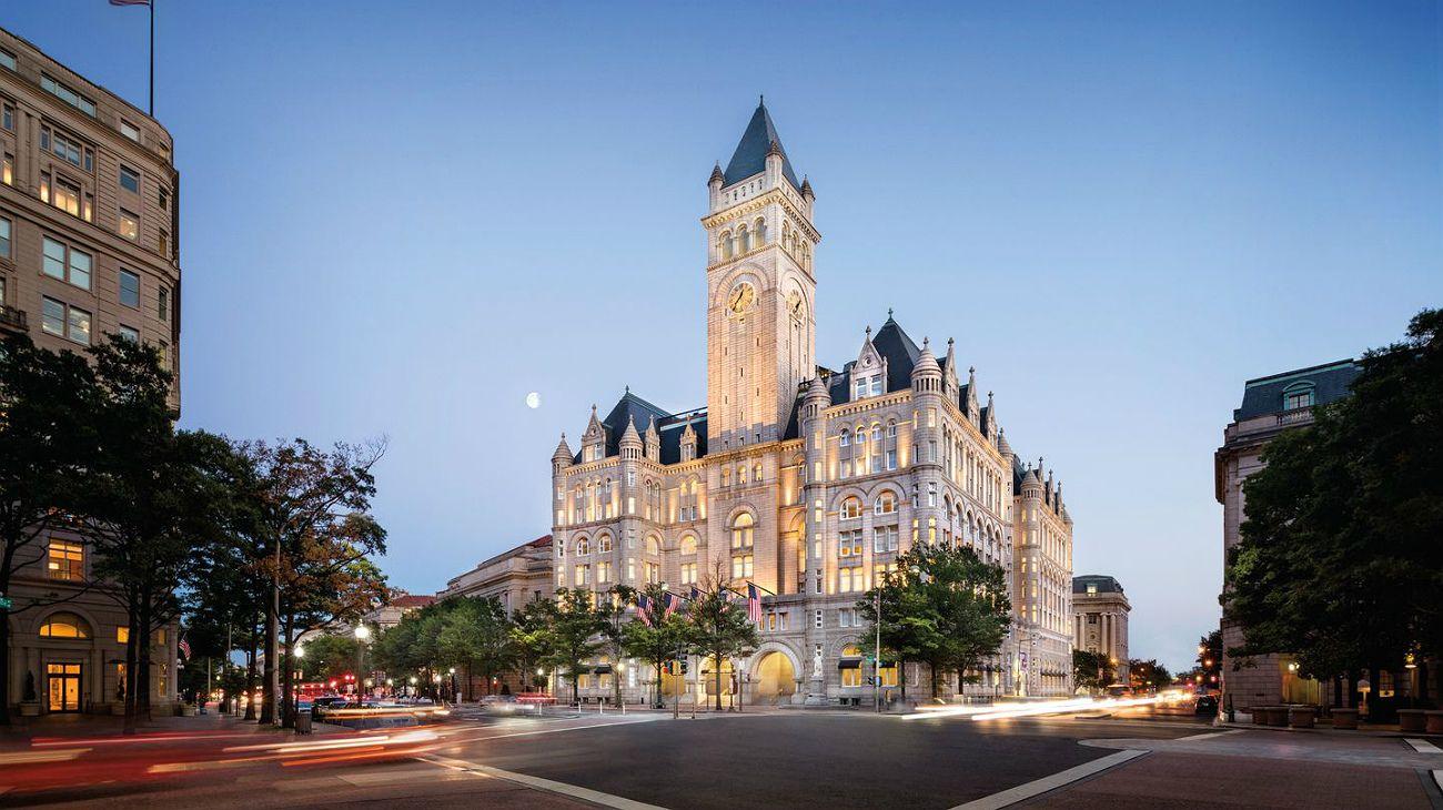 La probable venta de hotel Trump se vincula a conflictos de interés
