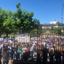 Protesta. En La Plata, durante la reunión de transición entre Kicillof y Vidal. | Foto:Cedoc.