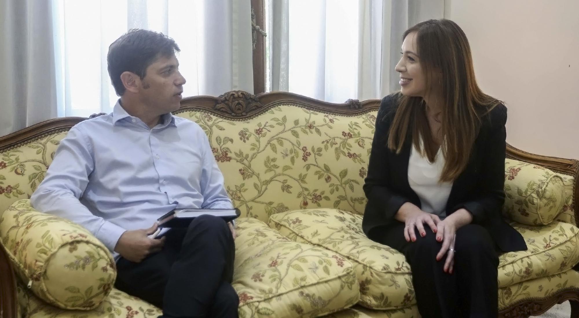 encuentro entre la gobernadora saliente y el electo gobernador de Buenos Aires.