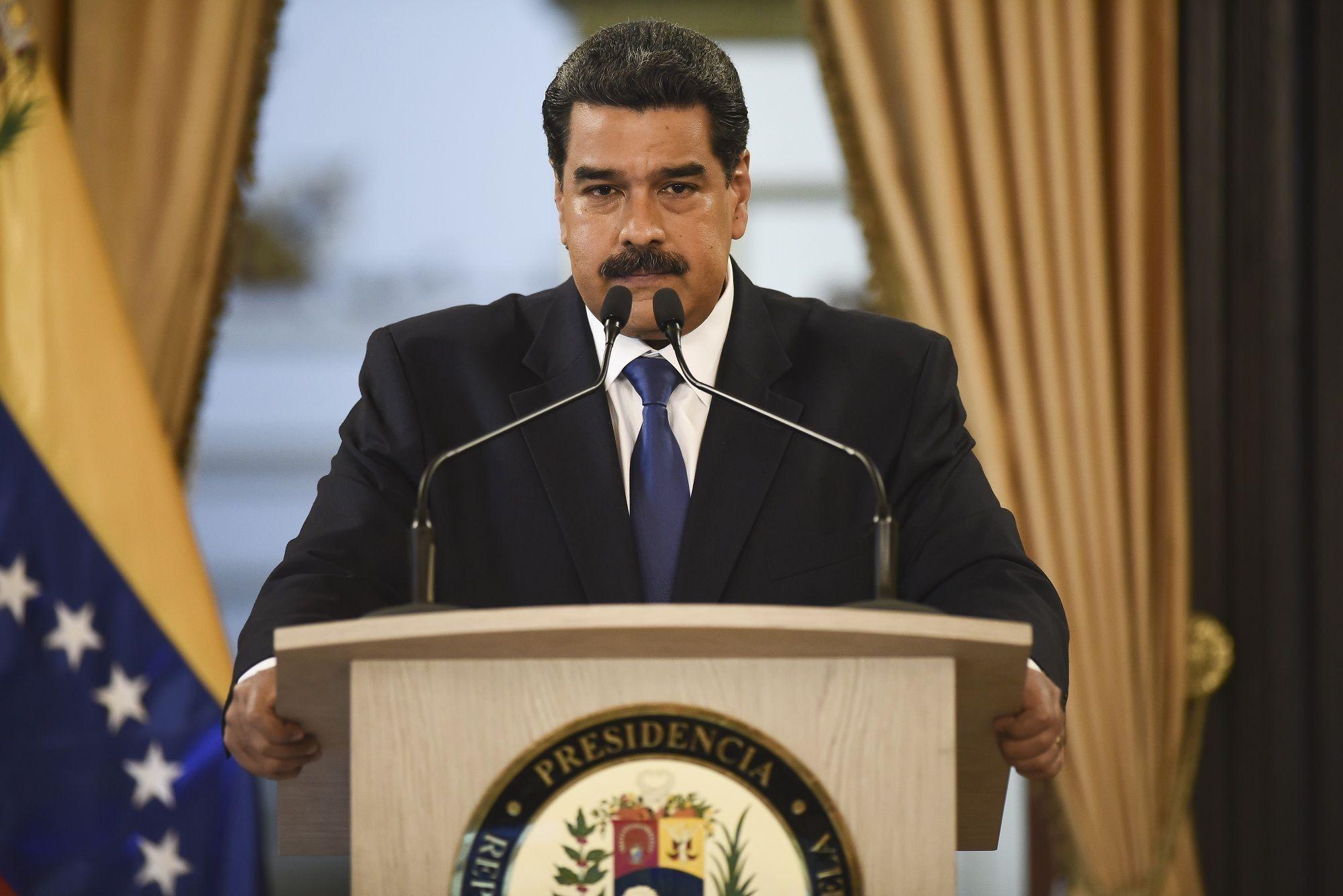 Aviones cargados de efectivo viajan de Rusia a Venezuela