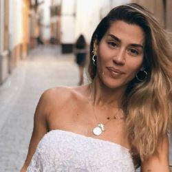 Jimena Barón: contundente advertencia en un cuarto de hotel, ¡con foto hot incluída!