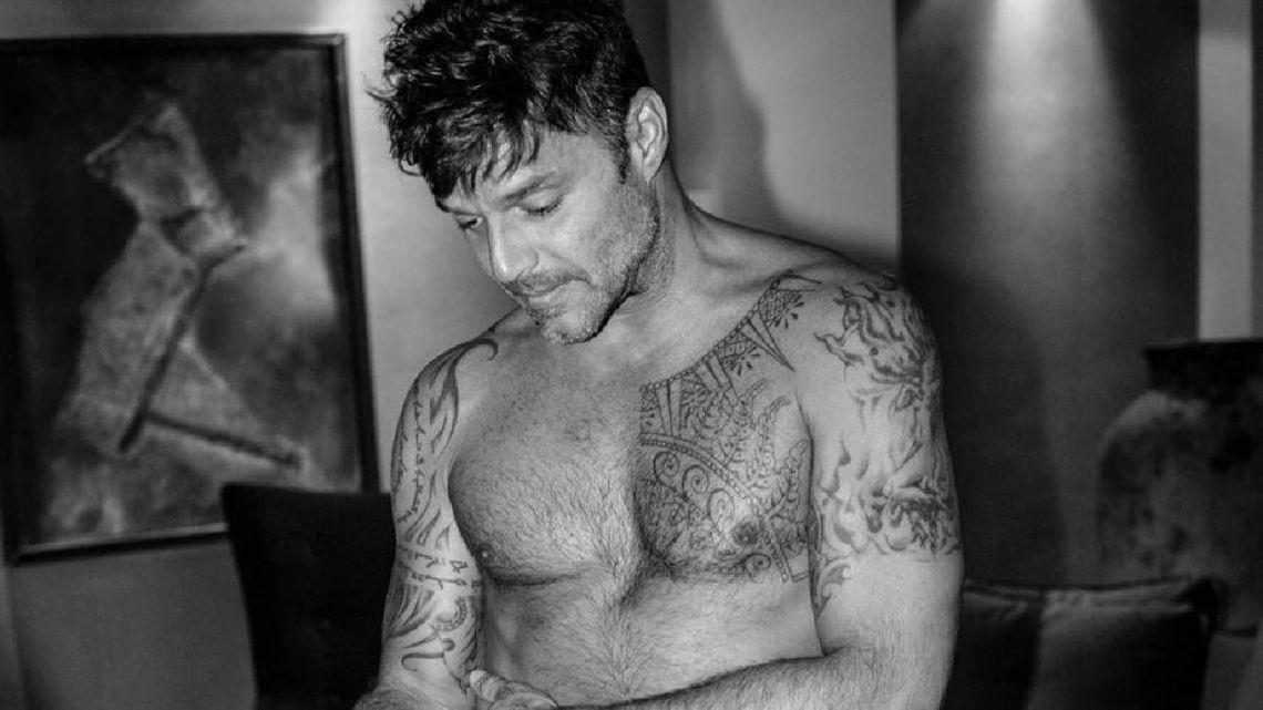 """La foto """"en torso"""" de Ricky Martin que explotó las redes"""