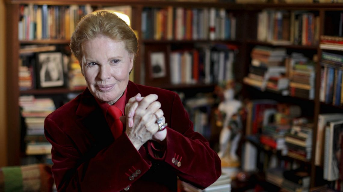 Puerto Rican astrologer Walter Mercado, also known as Shanti Ananda, gives a press conference in San Juan, Puerto Rico.
