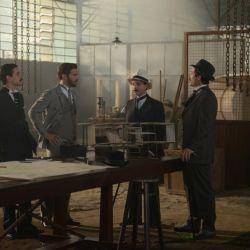 Con unos pocos colaboradores que seguían al pie de la letra sus indicaciones, Santos Dumont construyó sus sucesivos aparatos voladores.
