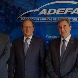 De izquierda a derecha: Federico Ovejero (vicepresidente), Gabriel López (presidente), Daniel Herrero (secretario).