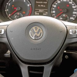 Nissan March Advance AT / VW Gol Trend Comfortline Tiptronic