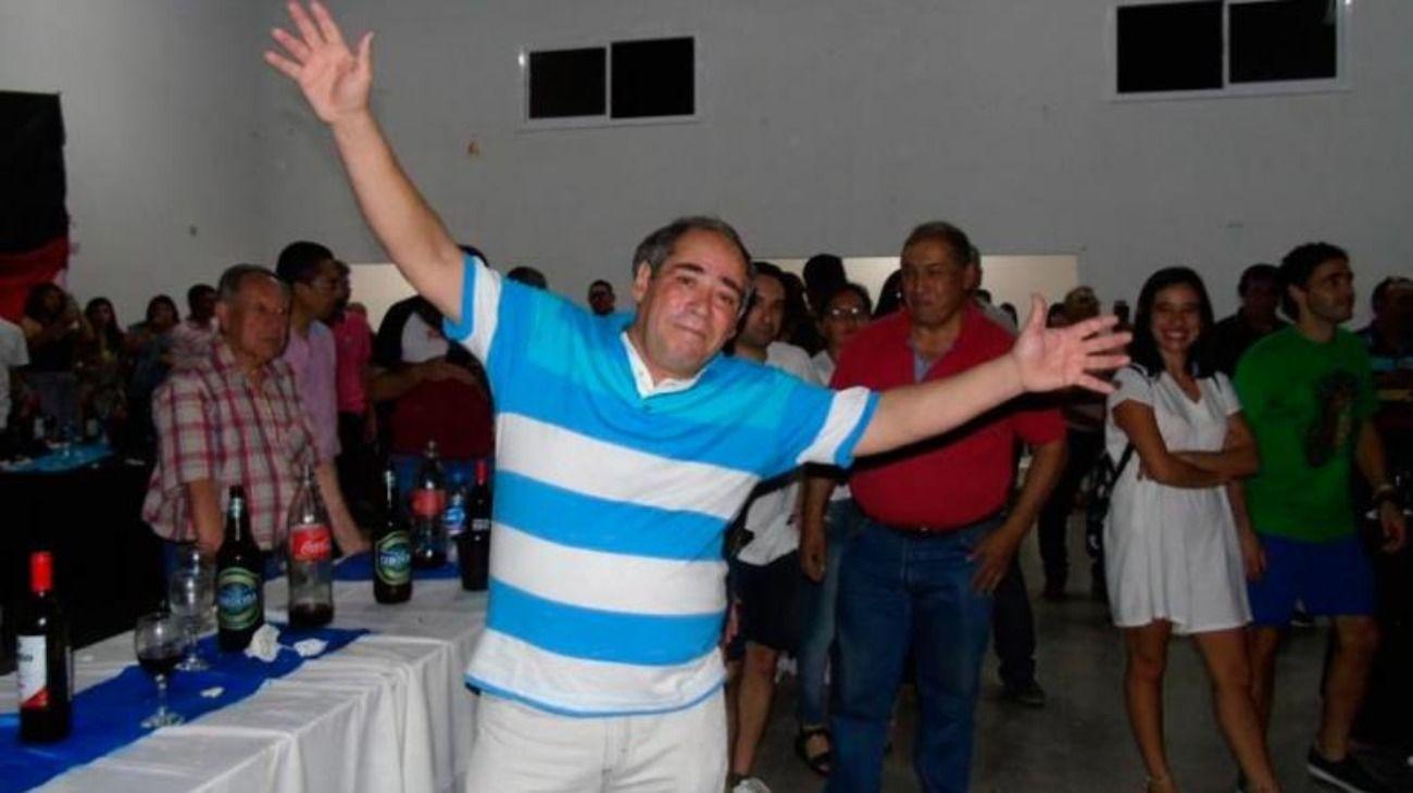 Eduardo Martí celebró su parte del premio con una gran fiesta para familiares, vecinos y amigos.
