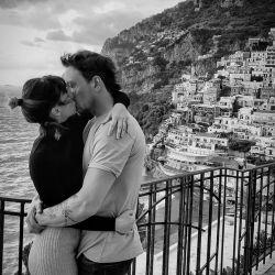 El apasionado posteo de Gimena Accardi con Nicolás Vázquez, en Italia