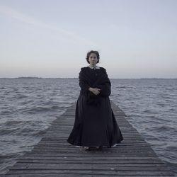 Muriel Santa Ana les da vida a ocho pioneras del feminismo.