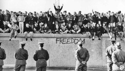 Libertad. La caída del Muro significó el fin de la Guerra Fría y determinó el curso de la historia en los años que vendrían.