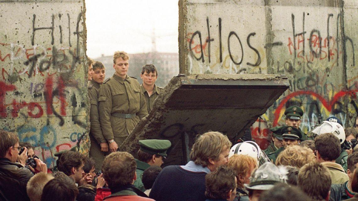 Muro de Berlín: el día que sonrió la historia