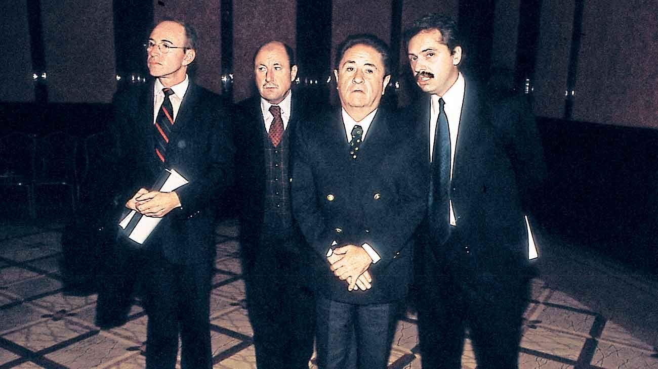 Vinculos. Duhalde dice que conoce bien a Alberto Fernández: señala que es una persona inteligente, con capacidad de negociar.