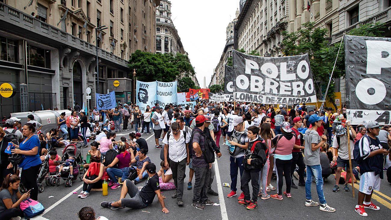 A la calle. El Polo Obrero seguirá con sus protestas y este martes marchará con sus reclamos.