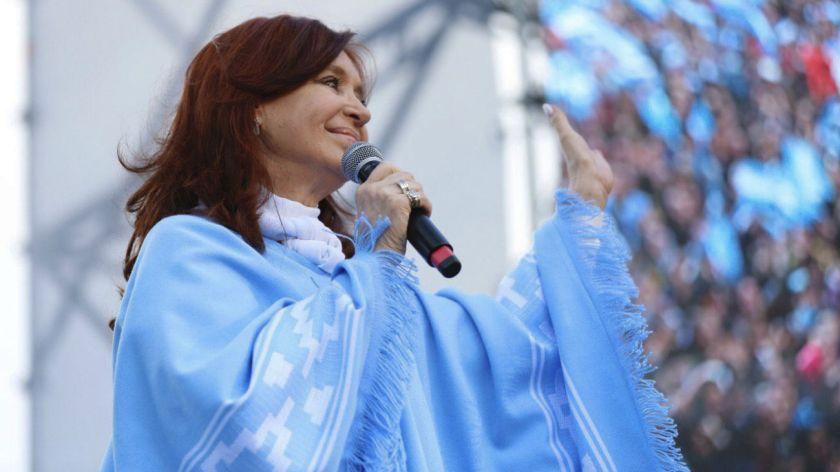 Cristina vuelve a extender su estadía en Cuba - Noticias