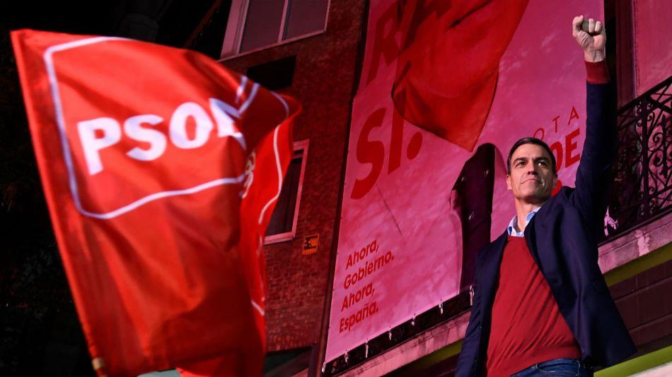 El PSOE de Pedro Sanchéz logró la victoria pero con tres diputados menos que la anterior elección.