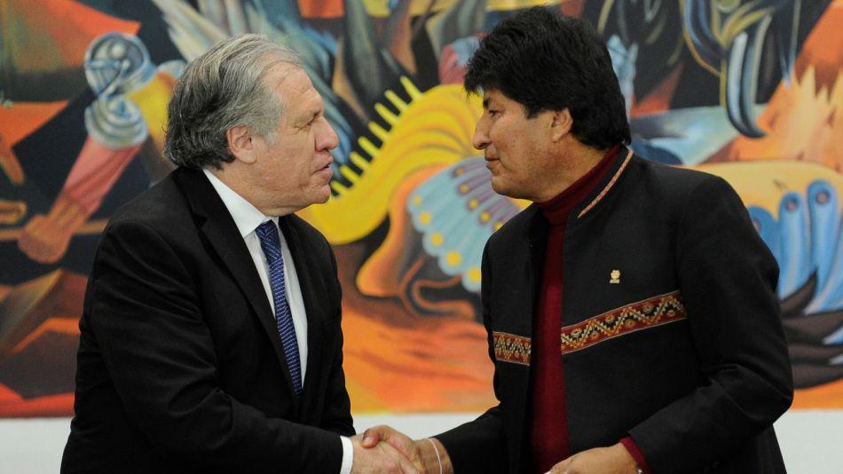 El Secretario General de la OEA, Luis Almagro, y el ex presidente de Bolivia, Evo Morales.