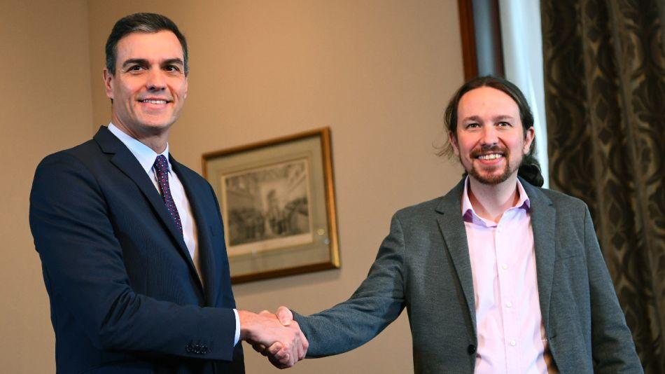 Pedro Sánchez (PSOE) y Pablo Iglesias (Podemos) se alían para sacar a España del bloqueo político.