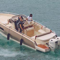 Los test drive de Invictus Yachts, con su nueva GTS280 en versión fuera de borda, se realizaron todos los días de la muestra.