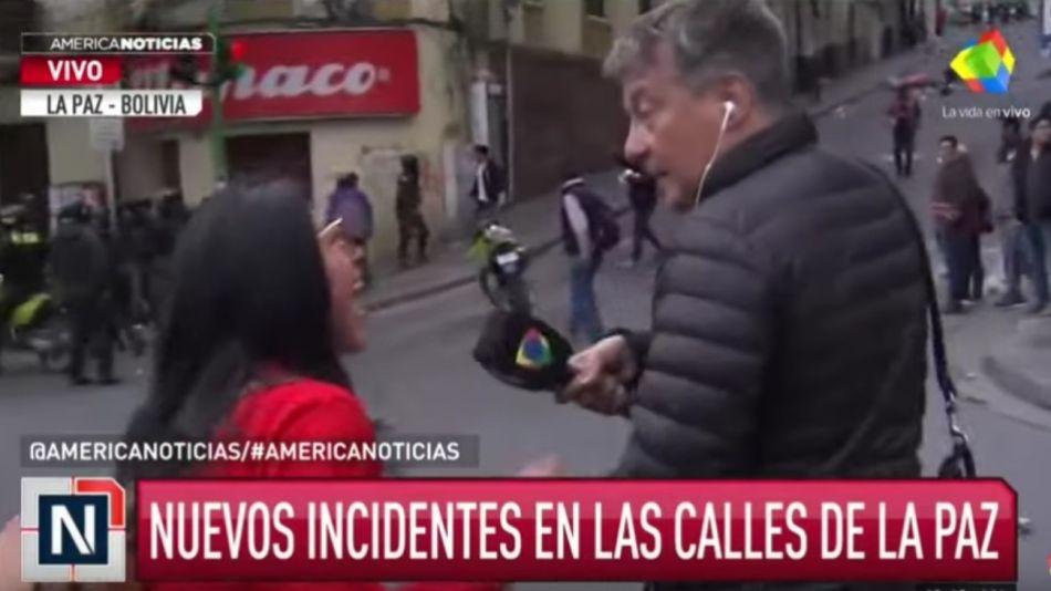 Manifestantes anti Evo Morales agredieron a Rolando Graña en Bolivia.