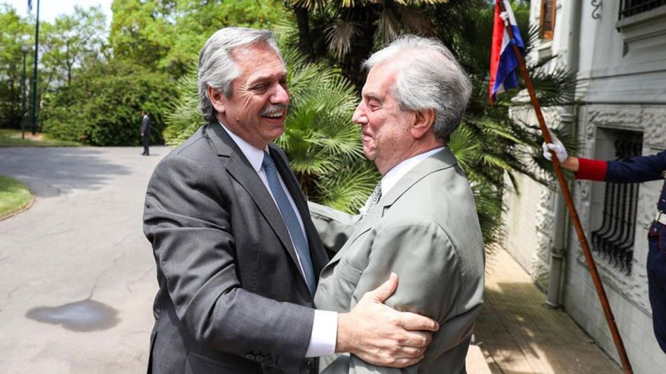 Alberto Fernández con Tabaré Vázquez