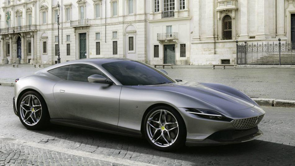 """Ferrari rememora la """"dolce vita"""" con el nuevo superdeportivo Roma"""