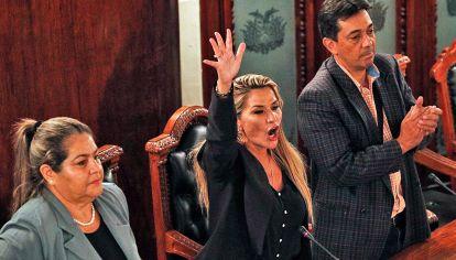 Autoproclamación. Faurie dijo que en Bolivia no hubo un golpe de Estado. Y aseguró que las FFAA apenas le sugirieron renunciar.