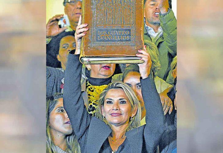 20191117_religioso_golpe_bolivia_apafp_g.jpg