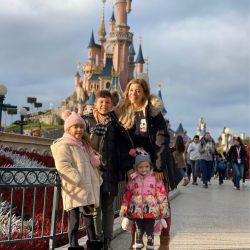 El álbum de fotos del viaje a Disneyland París de Eva Anderson y su familia