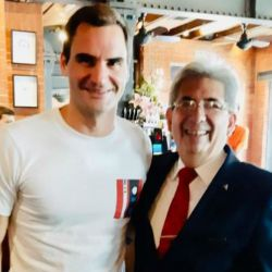 Roger Federer en una parrilla
