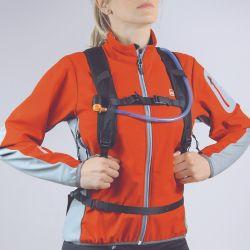 Los modelos para ciclismo priorizan la buena ventilación en el espaldar y vienen con una bolsa de hidratación incluida.