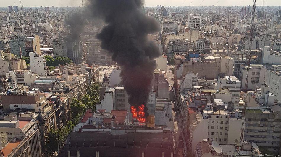 Incendio en Rivadavia y Piedras 20191119