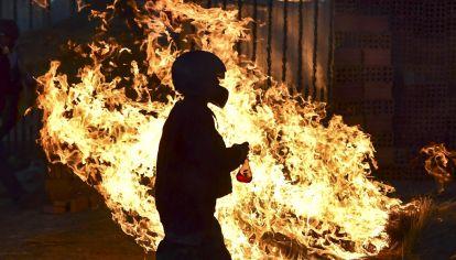 Desde el 20 de octubre, 23 personas murieron y más de 700 fueron heridas en medio de fuertes enfrentamientos entre militantes y opositores de Evo Morales y el Ejército y la policía.