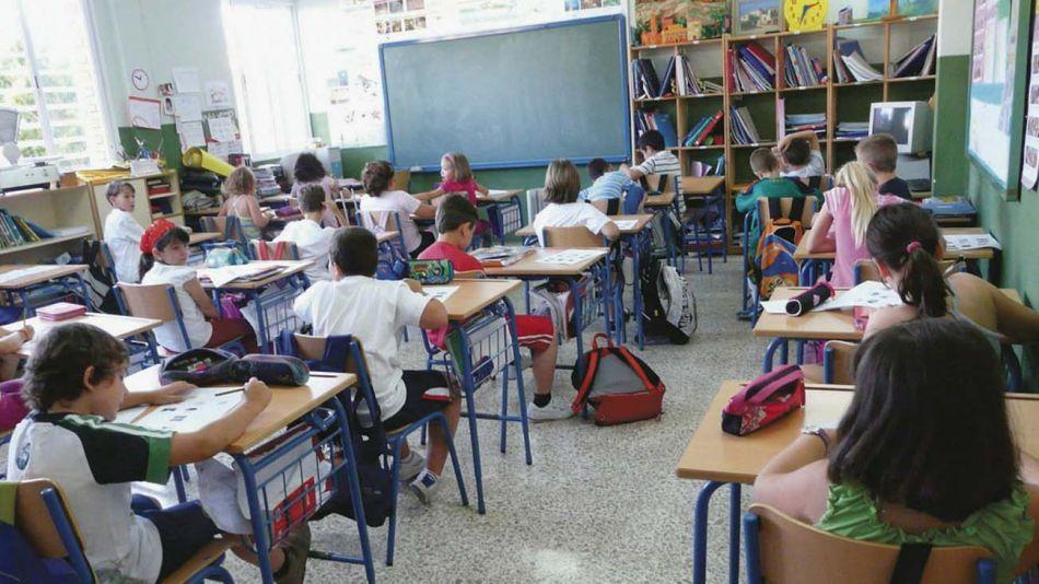 chicos de primaria en clases 20112019
