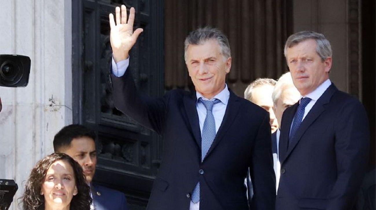 Macri prepara sus últimos dos viajes antes de entregar el mando