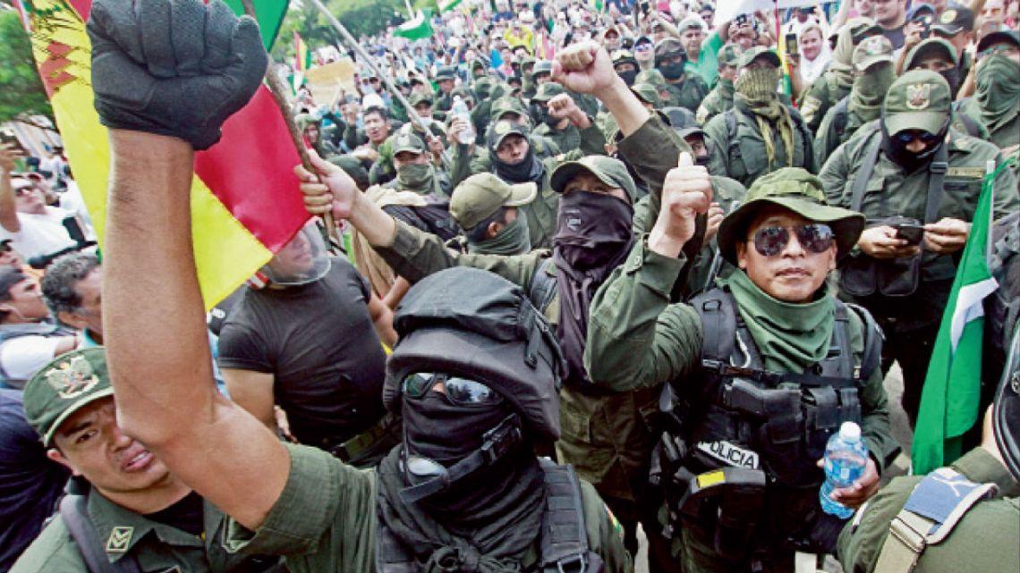 La paz. Marchas y tensión en las calles de la capital de Bolivia. Al fraude electoral le siguió un golpe de Estado. | Foto:AFP