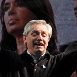 Alberto Fernández con CFK y Néstor de fondo | Foto:cedoc