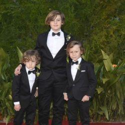 ¡Tres galancitos! Mirá los looks de los tres hijos de Pampita en la boda