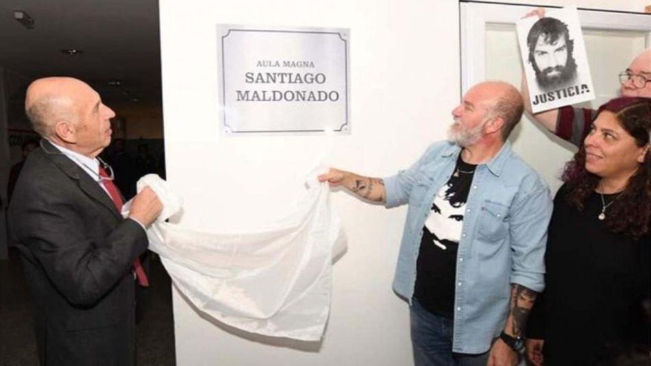 homenaje santiago maldonado placa 22112019