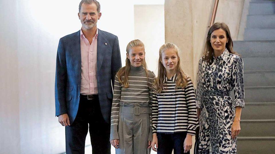 Los reyes de España y las diferencias entre sus hijas: Leonor rumbo al trono y Sofía, celosa