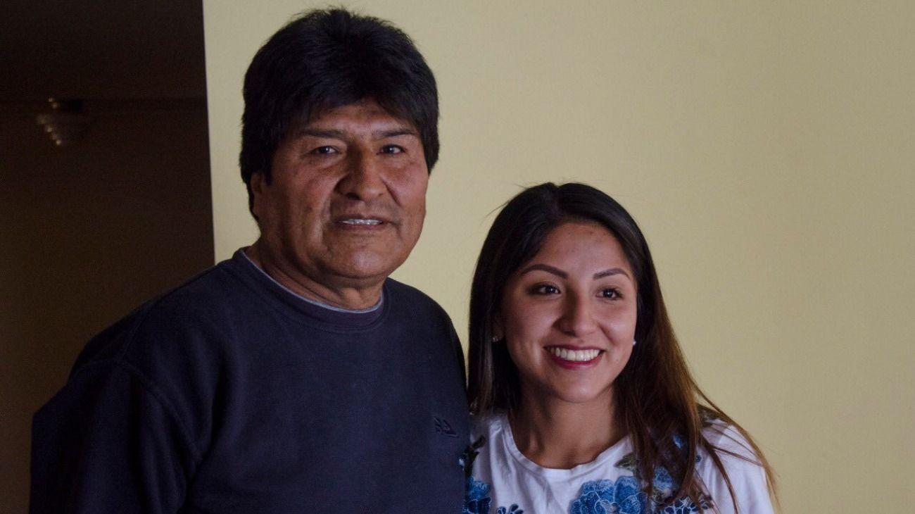 Evo Morales junto a su hija Evaliz Morales Alvarado.