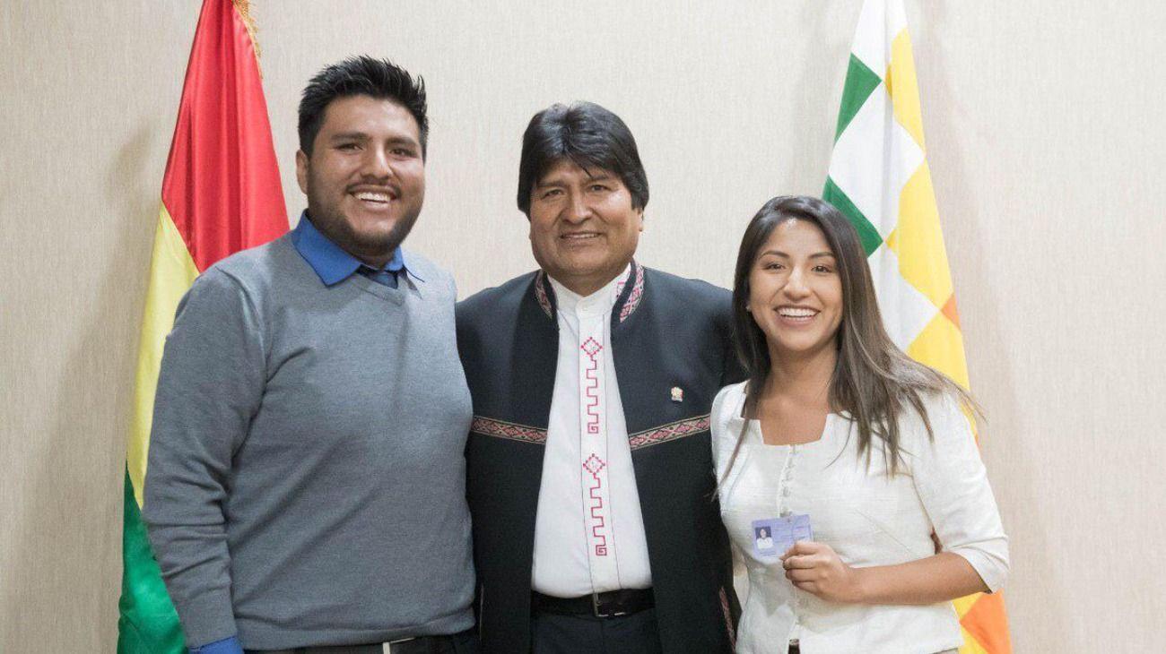 Mientras Evo Morales se refugia en México, sus hijos llegan este sábado a la Argentina
