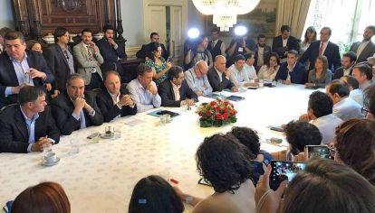 Acuerdo. De las fuerzas parlamentarias para una nueva constitución.