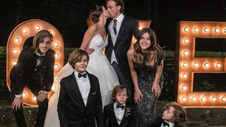 Delfi, la hija de Roberto, cantó en la boda de Pampita y su papá