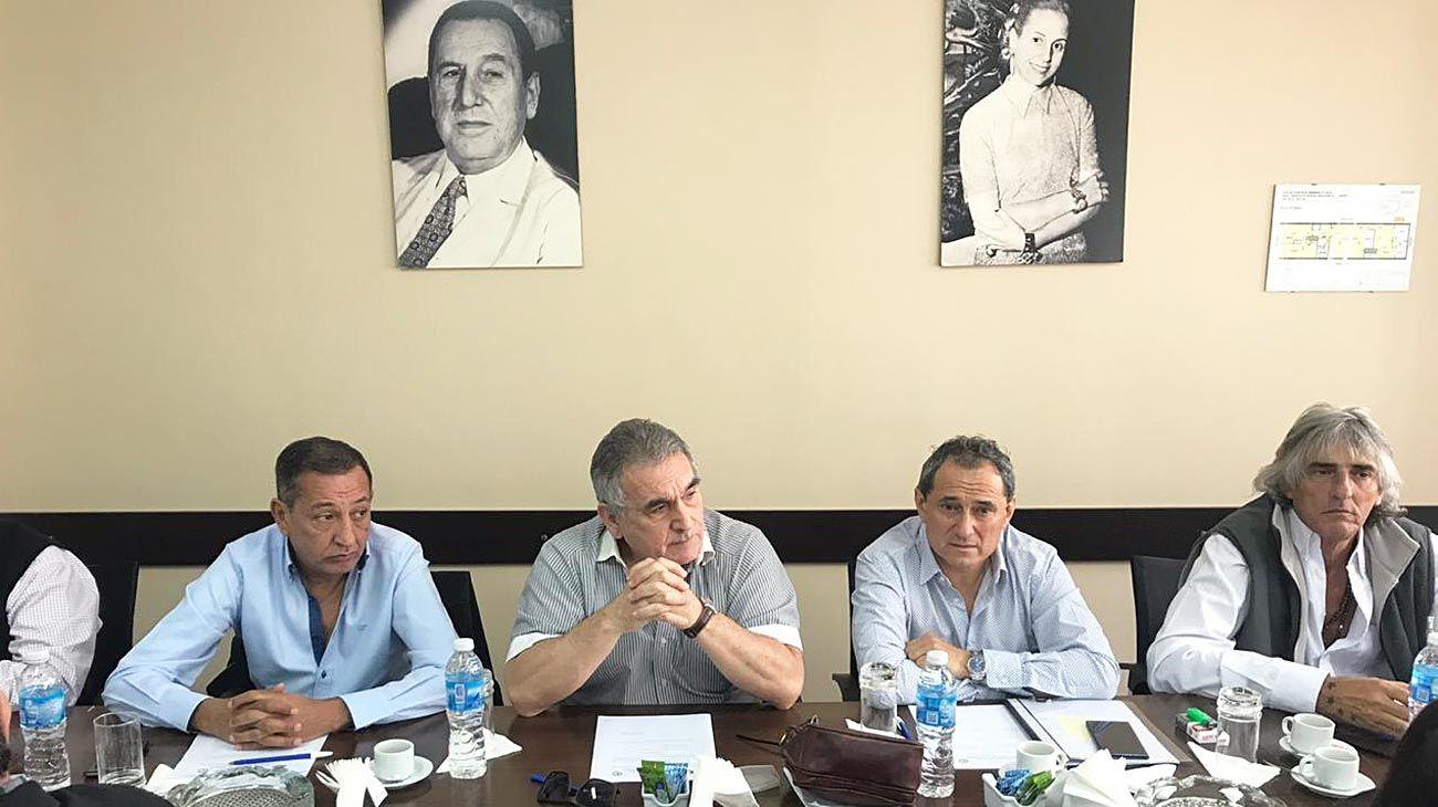 Caciques. Maturano, Schmid y Sasia, referentes de la Confederación de Trabajadores del Transporte.