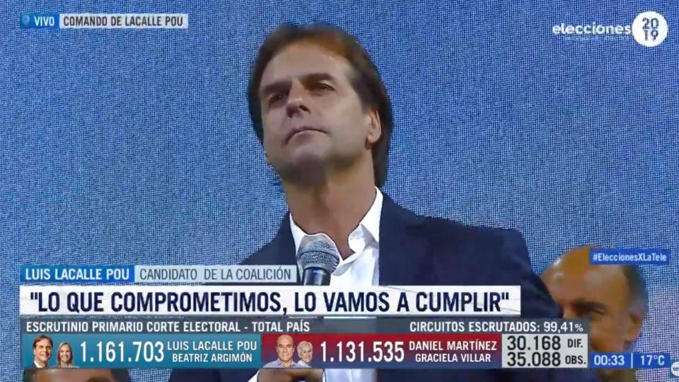Luis Lacalle Pou frente a los militantes del Partido Nacional.