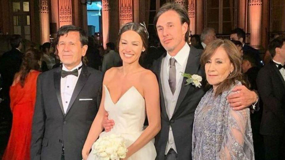 Pampita con Roberto y su madre con su pareja