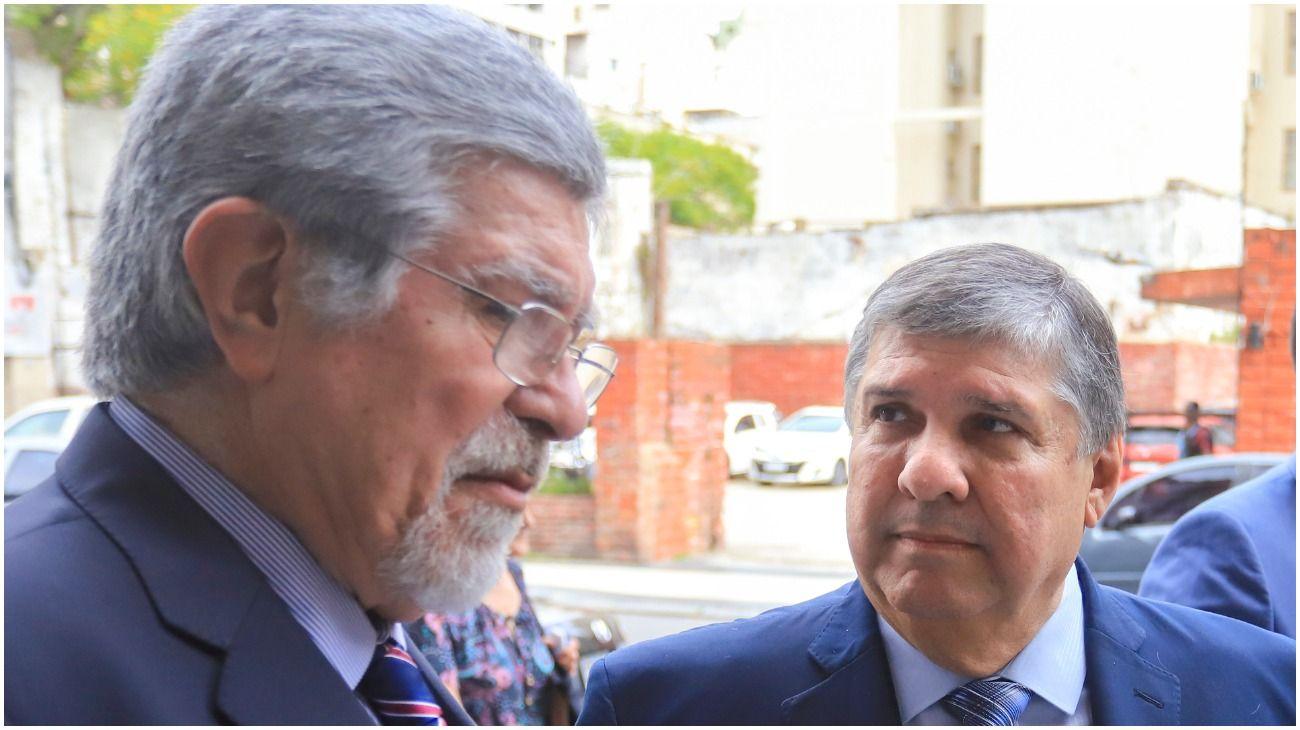 José Mayans junto a su par Marcelo Fuentes, antes de entrar al Senado.
