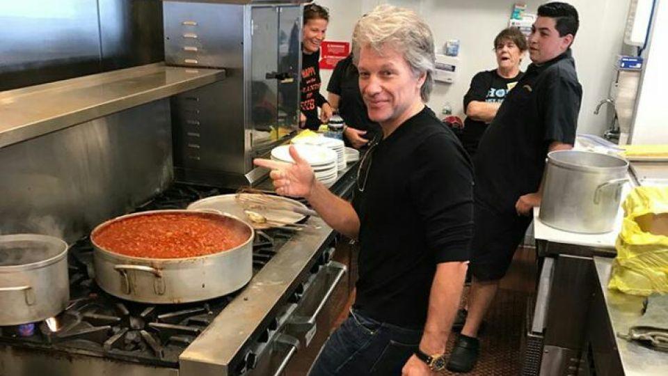 Bon Jovi, solidario