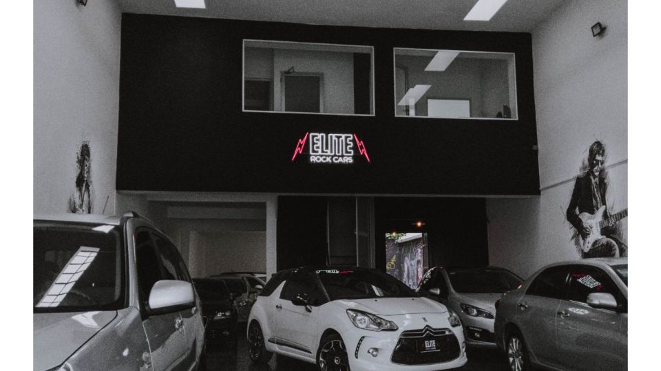 Elite Rock Cars